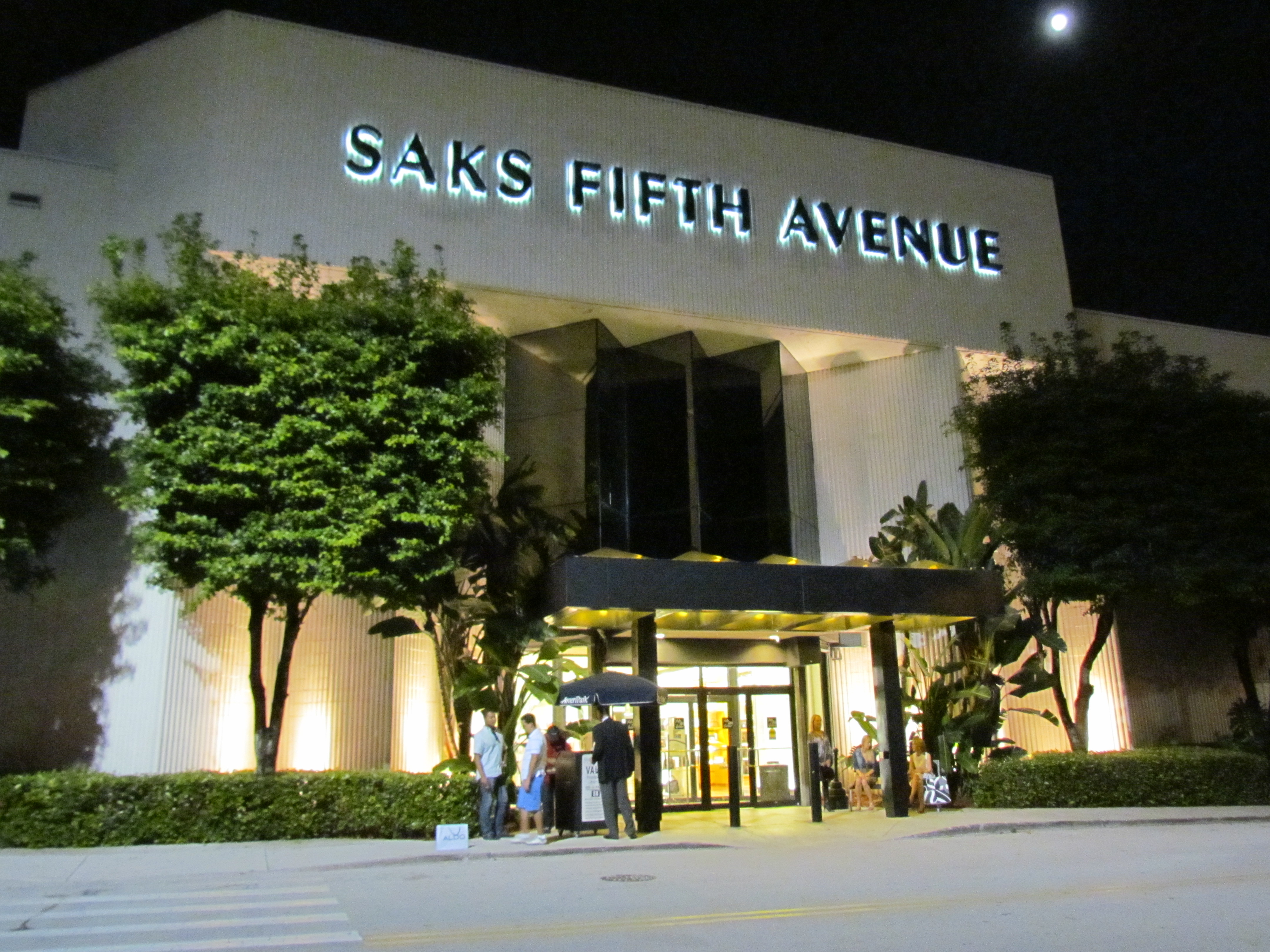 Saks Fifth Avenue Promo Codes & Black Friday Deals for November, Save with 14 active Saks Fifth Avenue promo codes, coupons, and free shipping deals. 🔥 Today's Top Deal: (@Amazon) Up To 15% Off Saks Fifth Avenue. On average, shoppers save $45 using Saks Fifth Avenue coupons from tiospecicin.gq